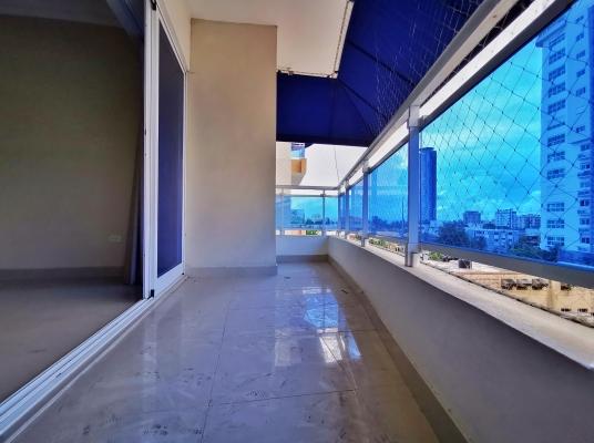 Amplio Apartamento de 3 Habs, 3.5 baños con Balcón y Estar en Bella Vista