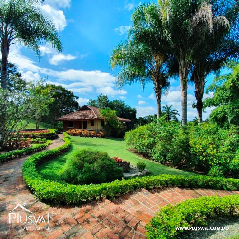 Villa en venta en Jarabacoa con amplios jardines 159864