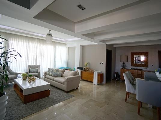Amplio y ventilado apartamento en venta, Bella Vista