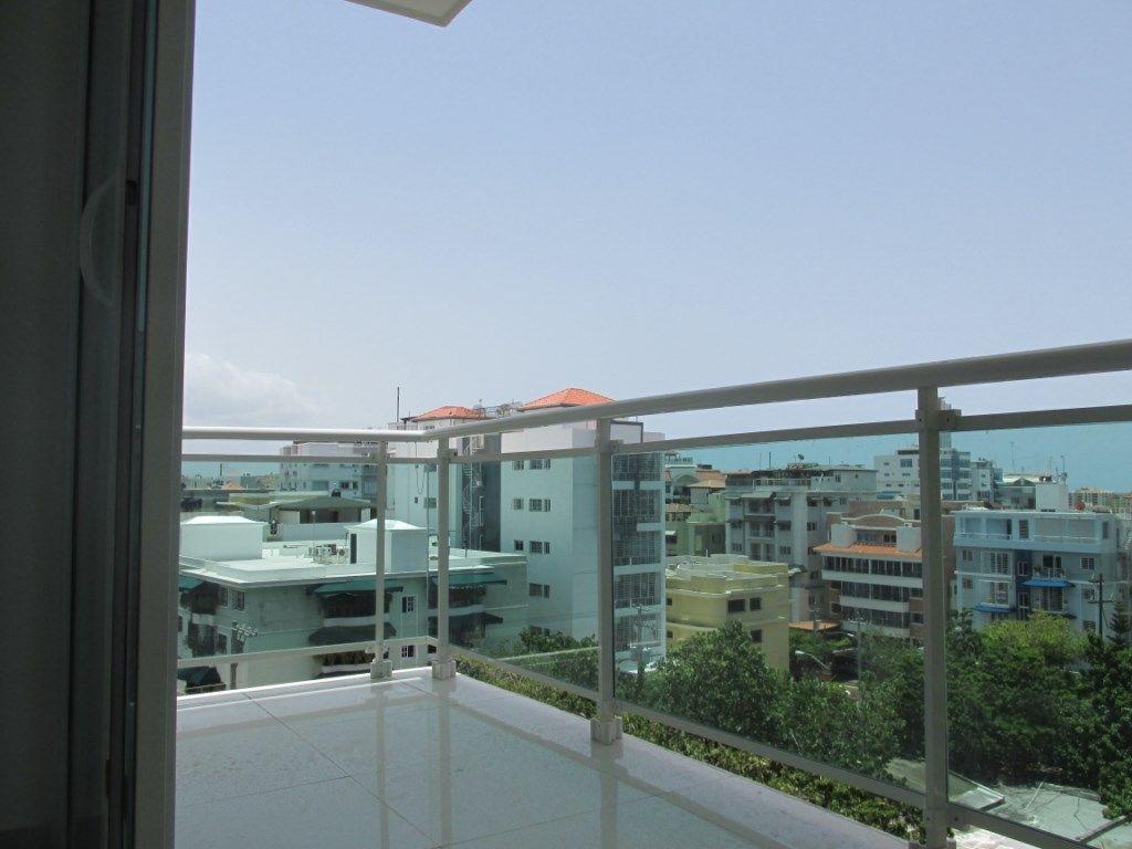 Amplio apartamento en Mirador norte.