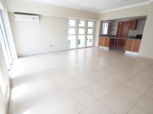 Nuevo Apartamento en Alquiler, en Serralles.