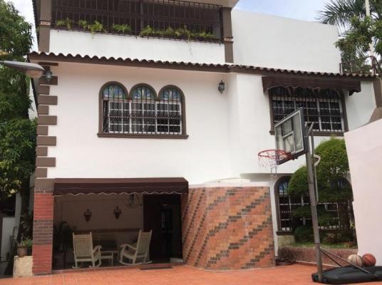 Casa amueblada en venta, Arroyo Hondo Viejo