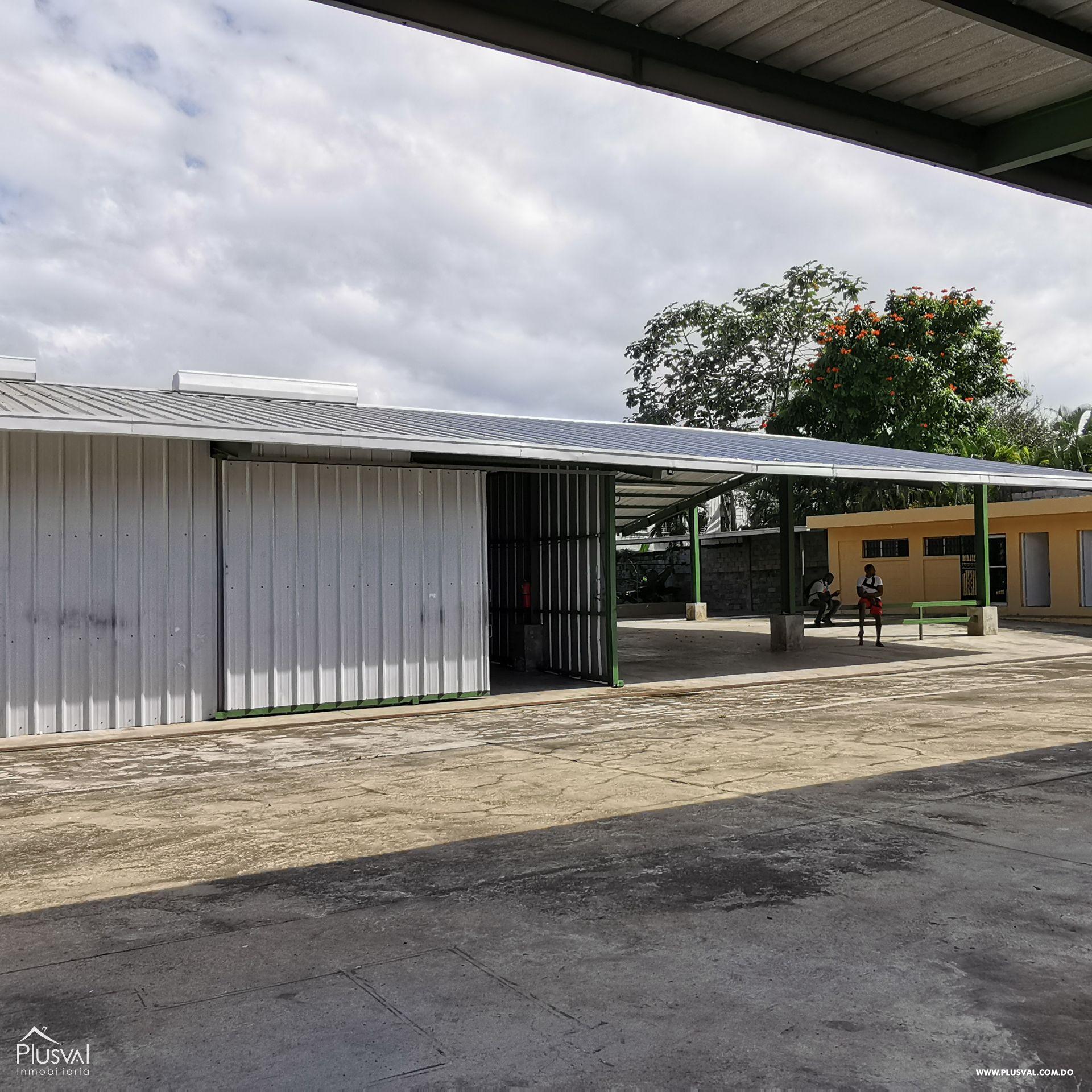 Alquiler Almacén-Nave Industrial con Oficinas y Parqueos en Arroyo Hondo 168565