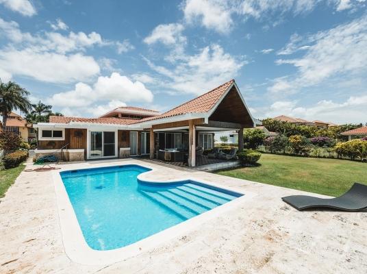 Villa con piscina y en Cocotal