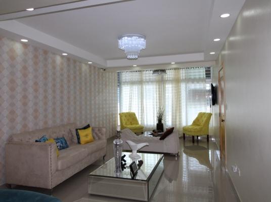 Apartamento en venta en zona segura con amplios espacios.