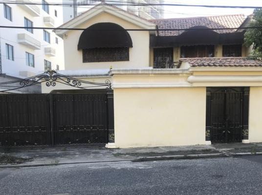 Residencia en Cacicazgos apropiada para remodelar y uso torre residencial