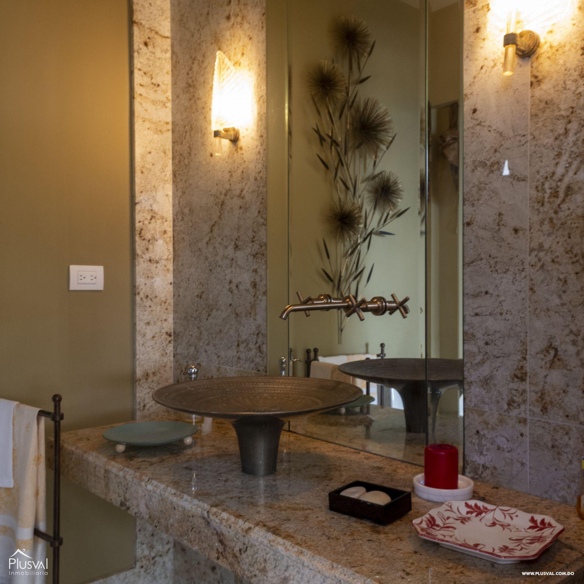 Penthouse en Venta en Naco con 8 parqueos 155360