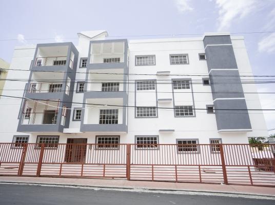 Amplios apartamentos de oportunidad en Villa Aura