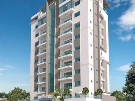 Moderna torre en el centro de Evaristo Morales