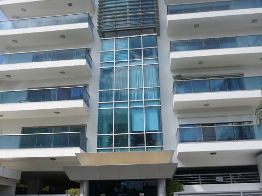 Apartamento en venta en el exclusivo sector de Naco con tan solo 18 aptos.
