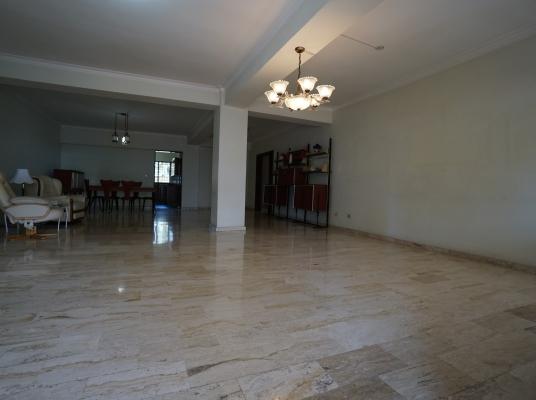 Espacioso apartamento en Piantini