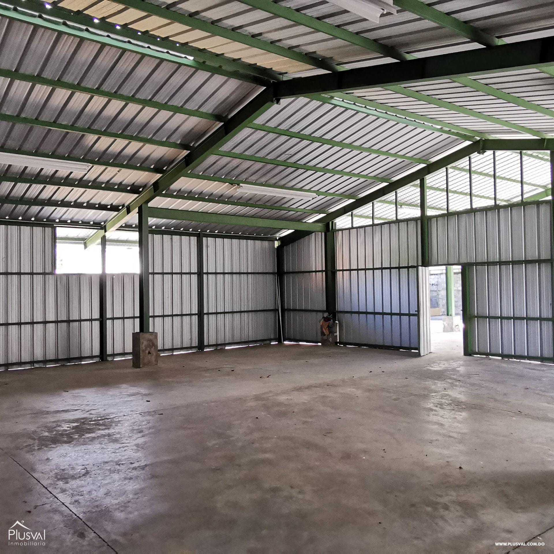 Alquiler Almacén-Nave Industrial con Oficinas y Parqueos en Arroyo Hondo 168570