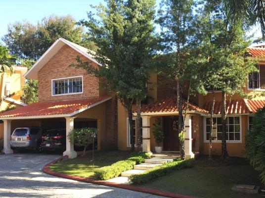 Casa en venta, Arroyo Hondo II