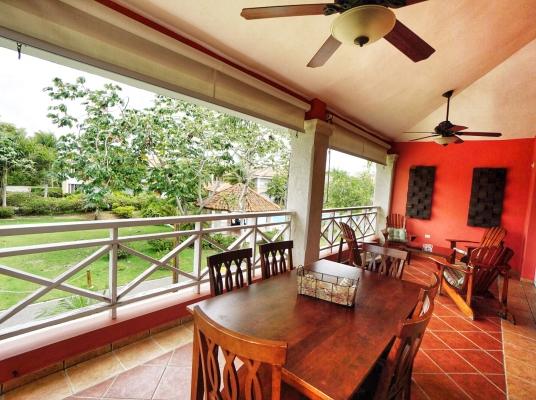 Acogedor apartamento en venta en Las Brisas de Guavaberry