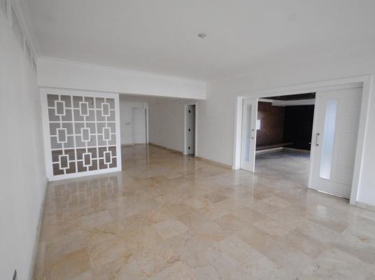 Amplio apartamento en alquiler, Naco