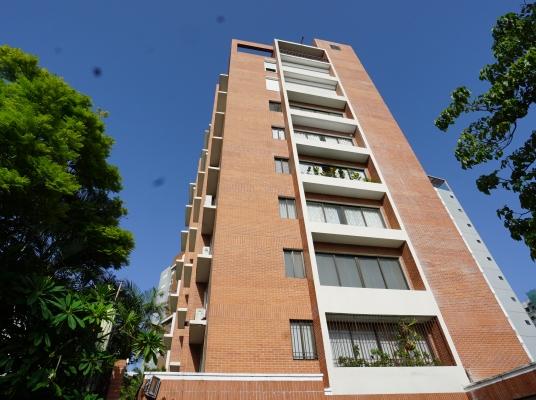 Moderno apartamento en Venta en Serralles