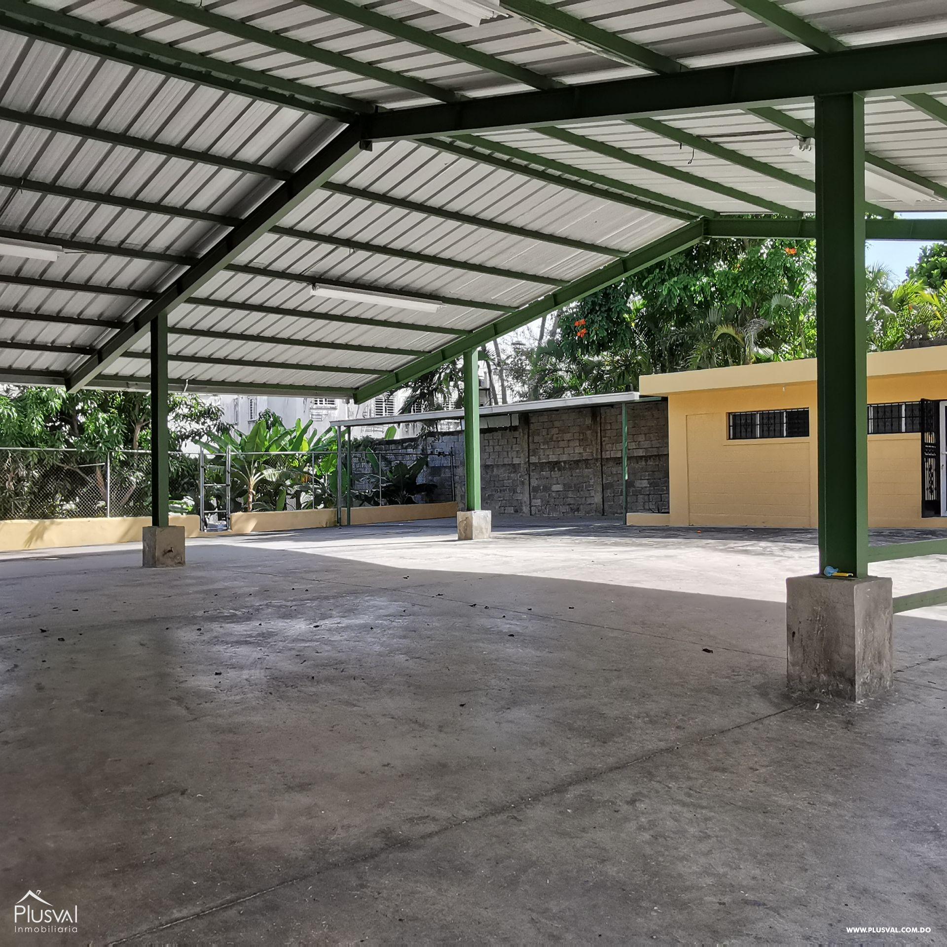 Alquiler Almacén-Nave Industrial con Oficinas y Parqueos en Arroyo Hondo 168553