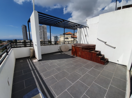 Penthouse Disponible en Bella Vista, 3 Niveles, Vista al Mar