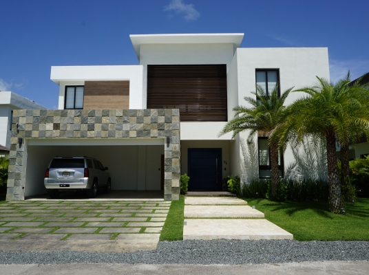 Venta Casa de  4 habitaciones/ For Sale 4 bedroom house