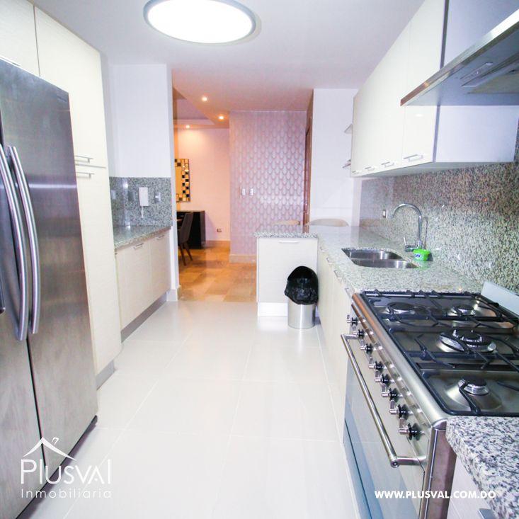 Elegante y amplio apartamento en Serralles 190053