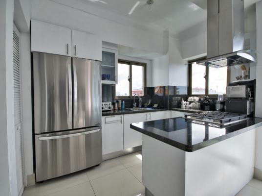 Lujoso apartamento en alquiler amueblado, Evaristo Morales