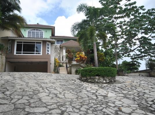 Casa en alquiler amueblada, Arroyo Hondo II