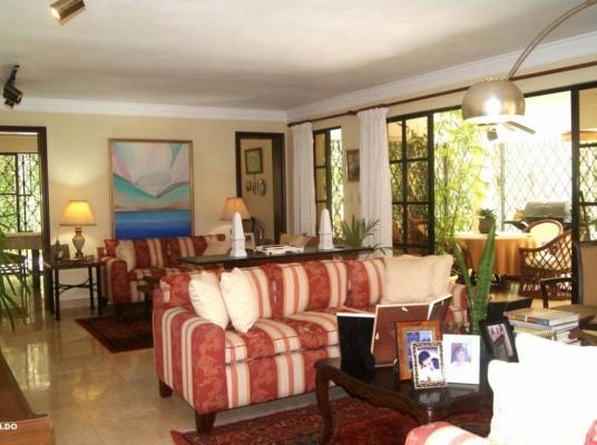 Preciosa Casa en proyecto cerrado en Cuesta Hermosa I.