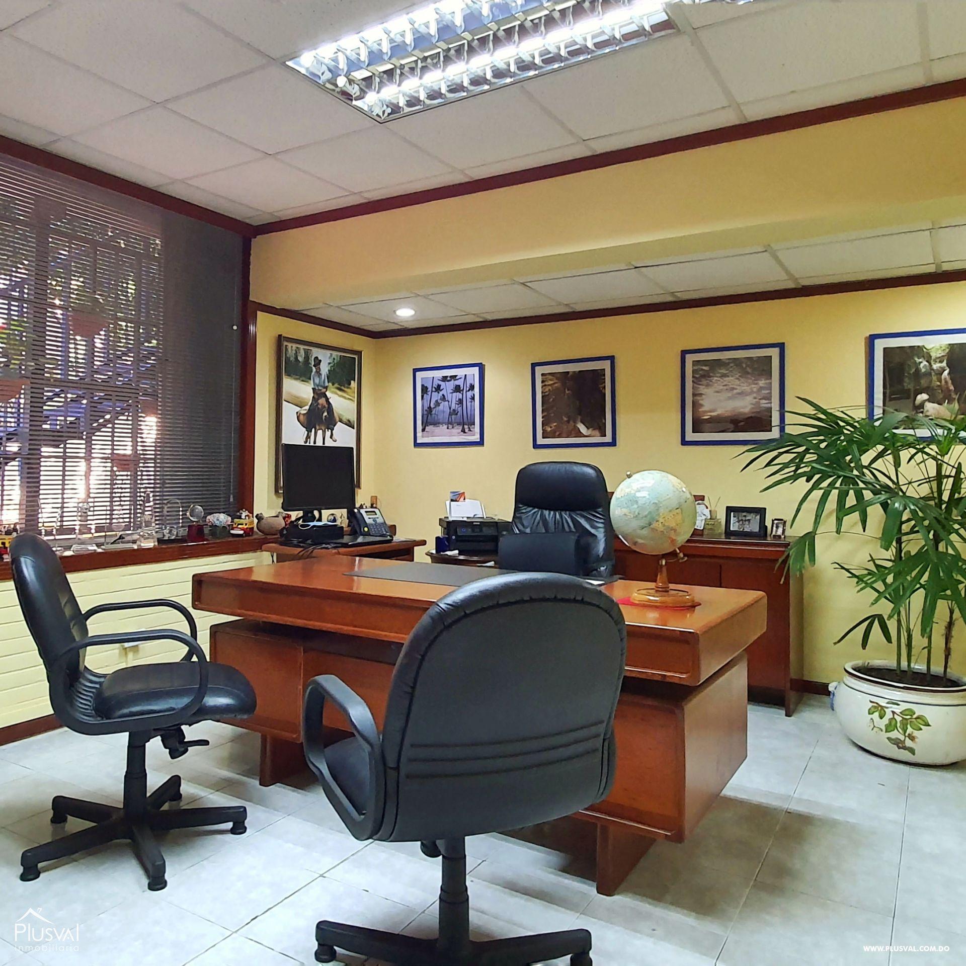 Alquiler edificio comercial 2 pisos en excelente zona Gazcue 165947
