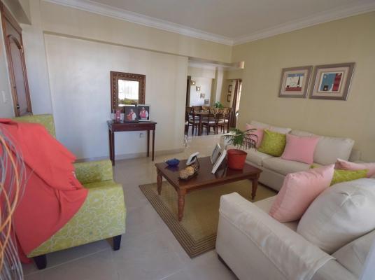 Hermoso y acogedor apartamento en Evaristo Morales