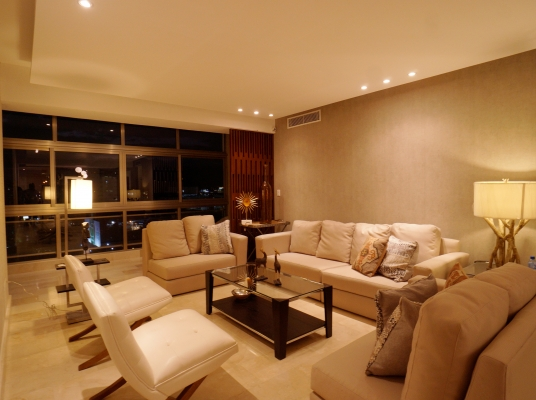 Excelente apartamento con buena terminación y distribución, en Naco