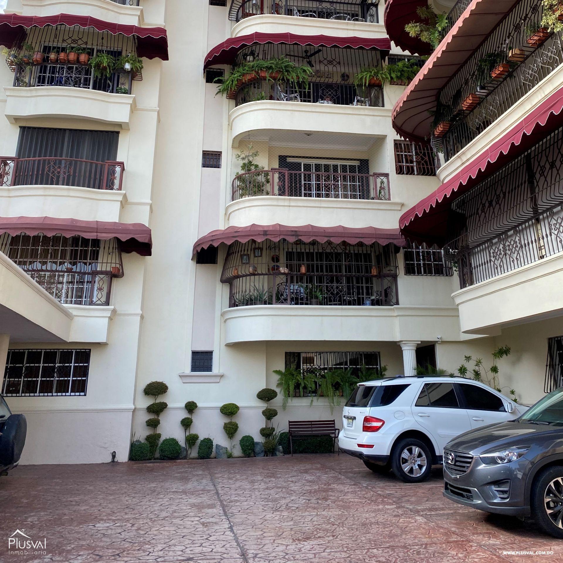 Excelente ubicación y Amplio apartamento en Bella Vista