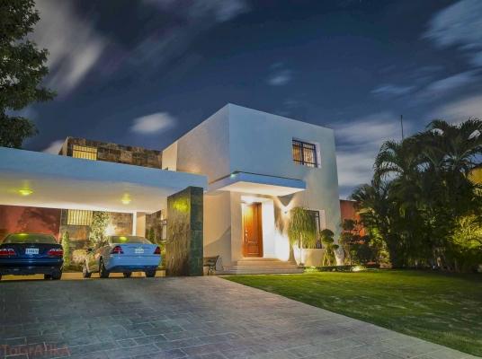 Espectacular casa en Cacicazgos