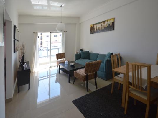Hermoso apartamento a pasos de la 27 de Febrero.
