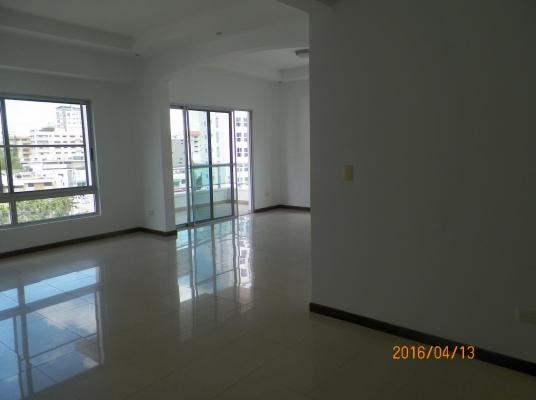 Apartamento en alquiler Naco. Linea blanca inlcuida.
