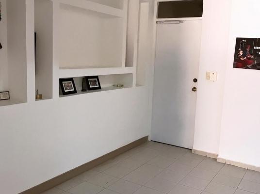 Apartamento en venta, La Esperilla 2do Nivel