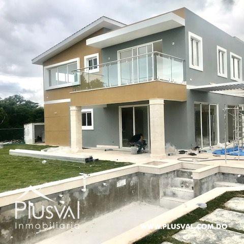 Casa en venta, en Puntacana Village de excelente distribución 159613
