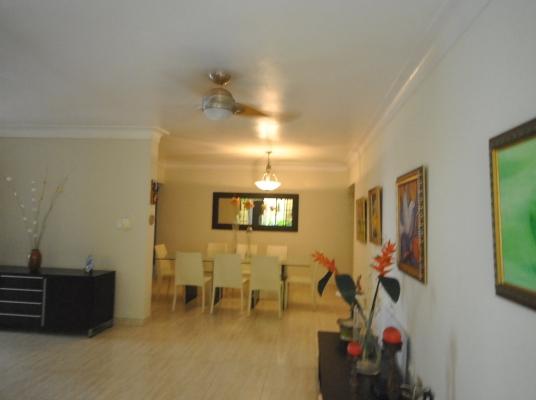 Casa 1er nivel en venta,en proyecto cerrado, La Julia