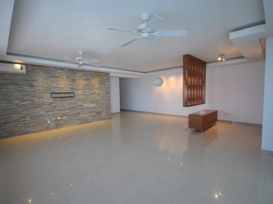 Apartamento en venta, torre exclusiva de Evaristo Morales