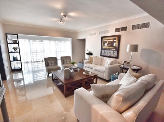 Elegante y Amplio apartamento en Naco