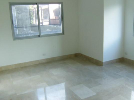 Moderno y amplio apartamento en el exclusivo sector de Cacicazgos.