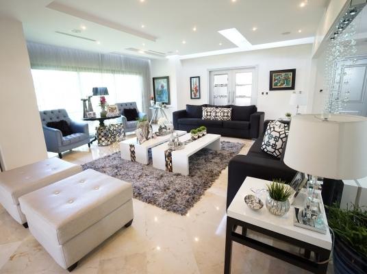 Apartamento de lujo con amplios espacios, Piantini