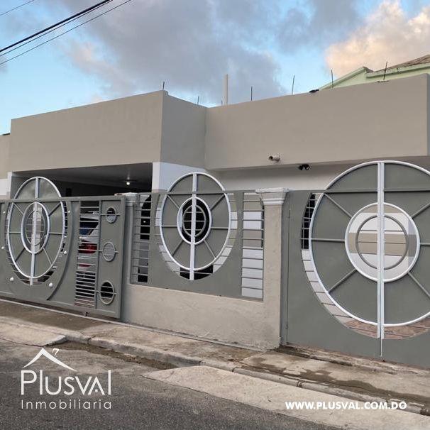 Casa Moderna de un Nivel / Piso en Venta en Residencial Cerrado, (Piso 2 construido un 40%)