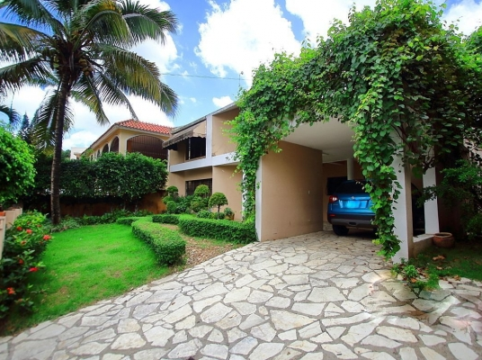 Casa en venta, Altos de Arroyo Hondo ll