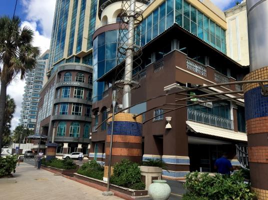Local Comercial en alquiler, Malecón