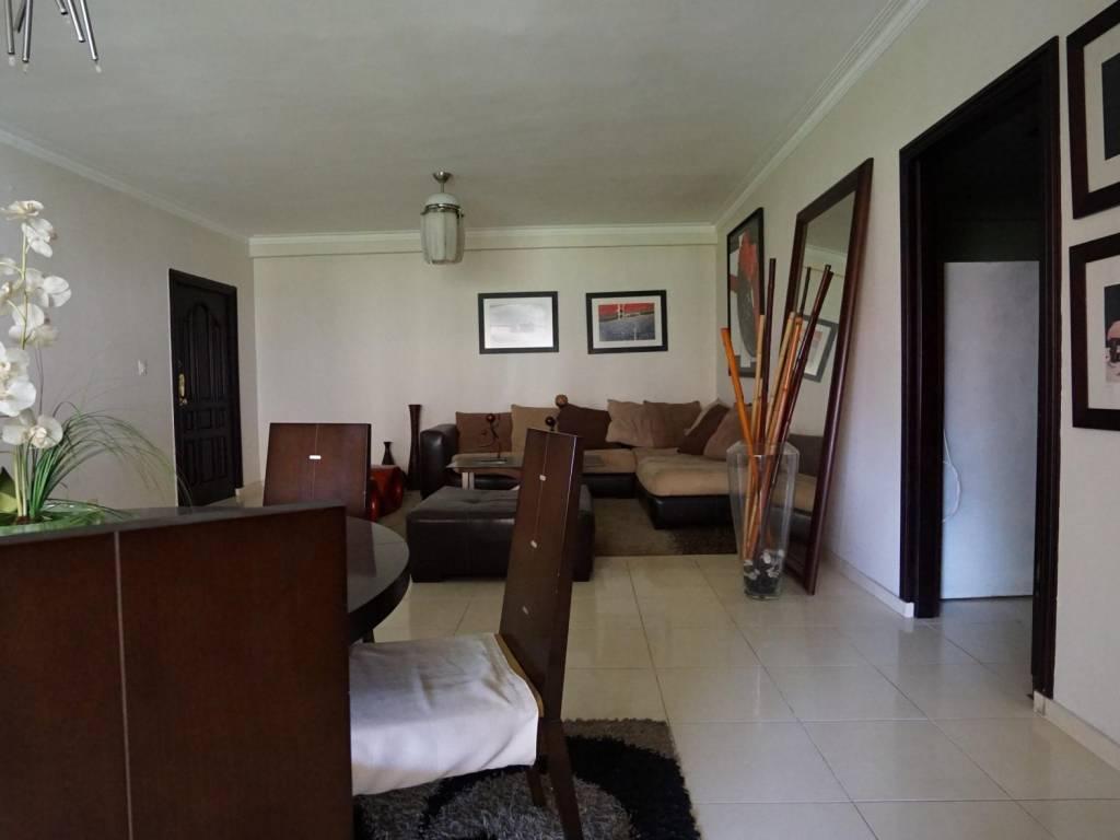 Apartamento en alquiler evaristo morales sin muebles for Alquiler sin muebles