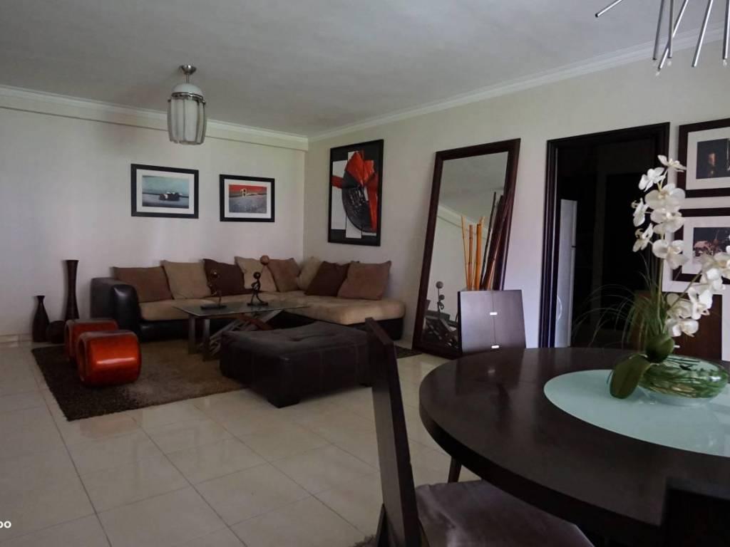 Apartamento en alquiler evaristo morales sin muebles for Muebles apartamento