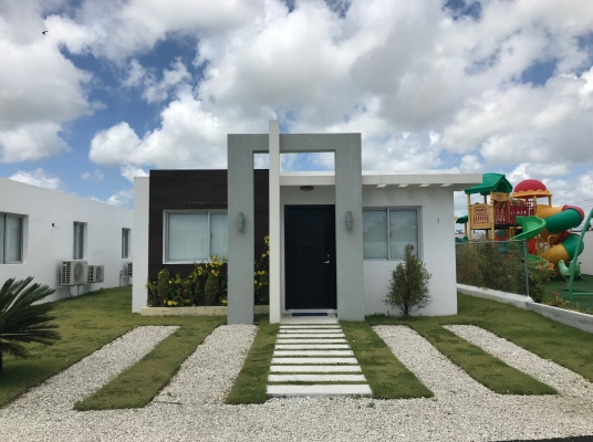 Casa en complejo cerrado en Carretera Bávaro Verón