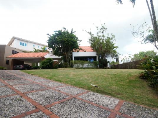 Casa en venta en Los Pinos de Arroyo Hondo