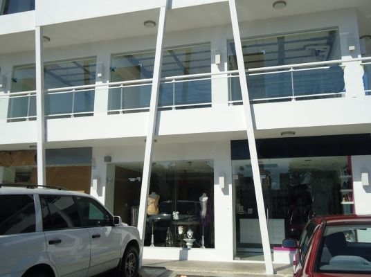 Local comercial en alquiler, Julieta. - 2do Nivel -