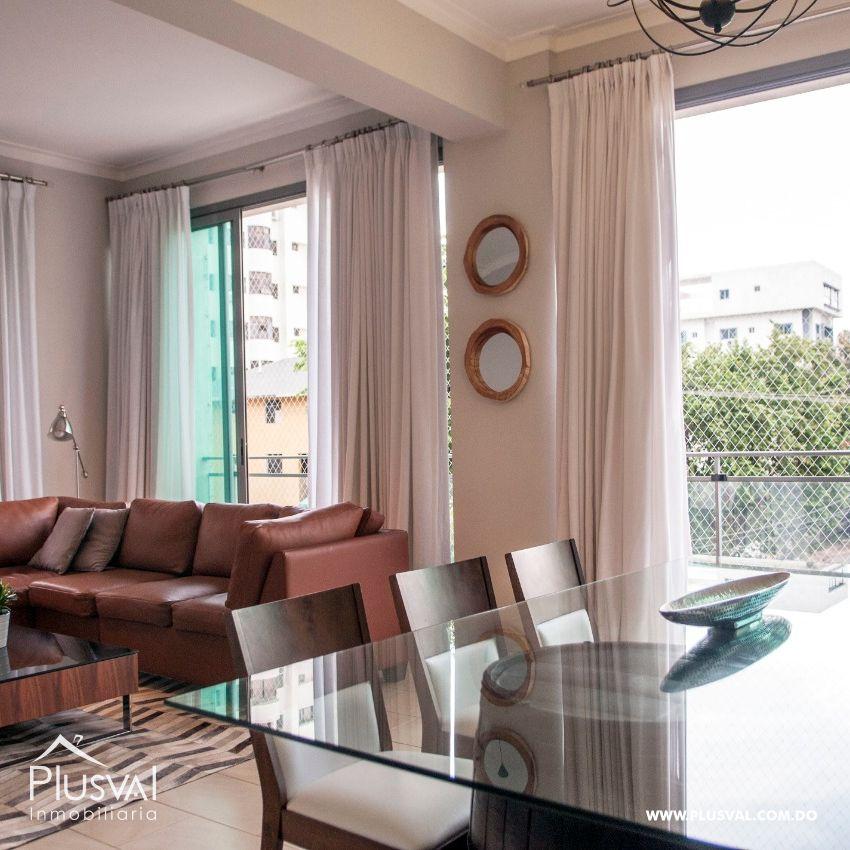 Apartamento en alquiler amueblado en el sector de Evaristo Morales